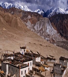 Upper mustang trek over Tangbe and Tetang trek