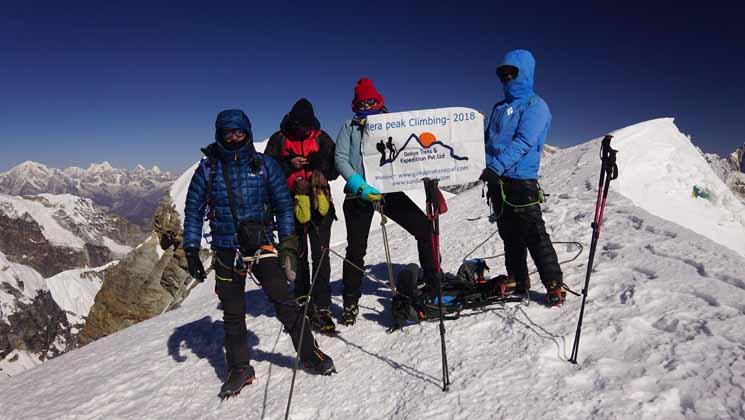 mera peak climbing price