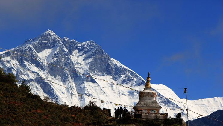 Top 10 best spring Hiking & Treks in Nepal Himalayas