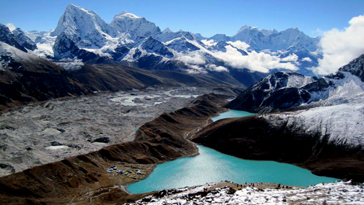 gokyo lake view from Renjo la summit