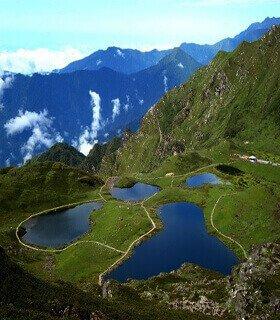 Panch pokharai trek