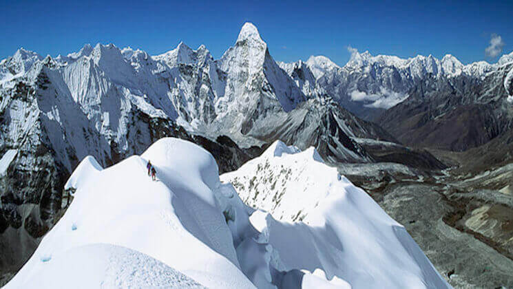 Everest high pass Island Peak climbing