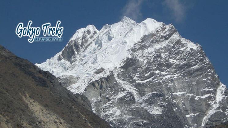 Lobuche east peak climbing operator agency