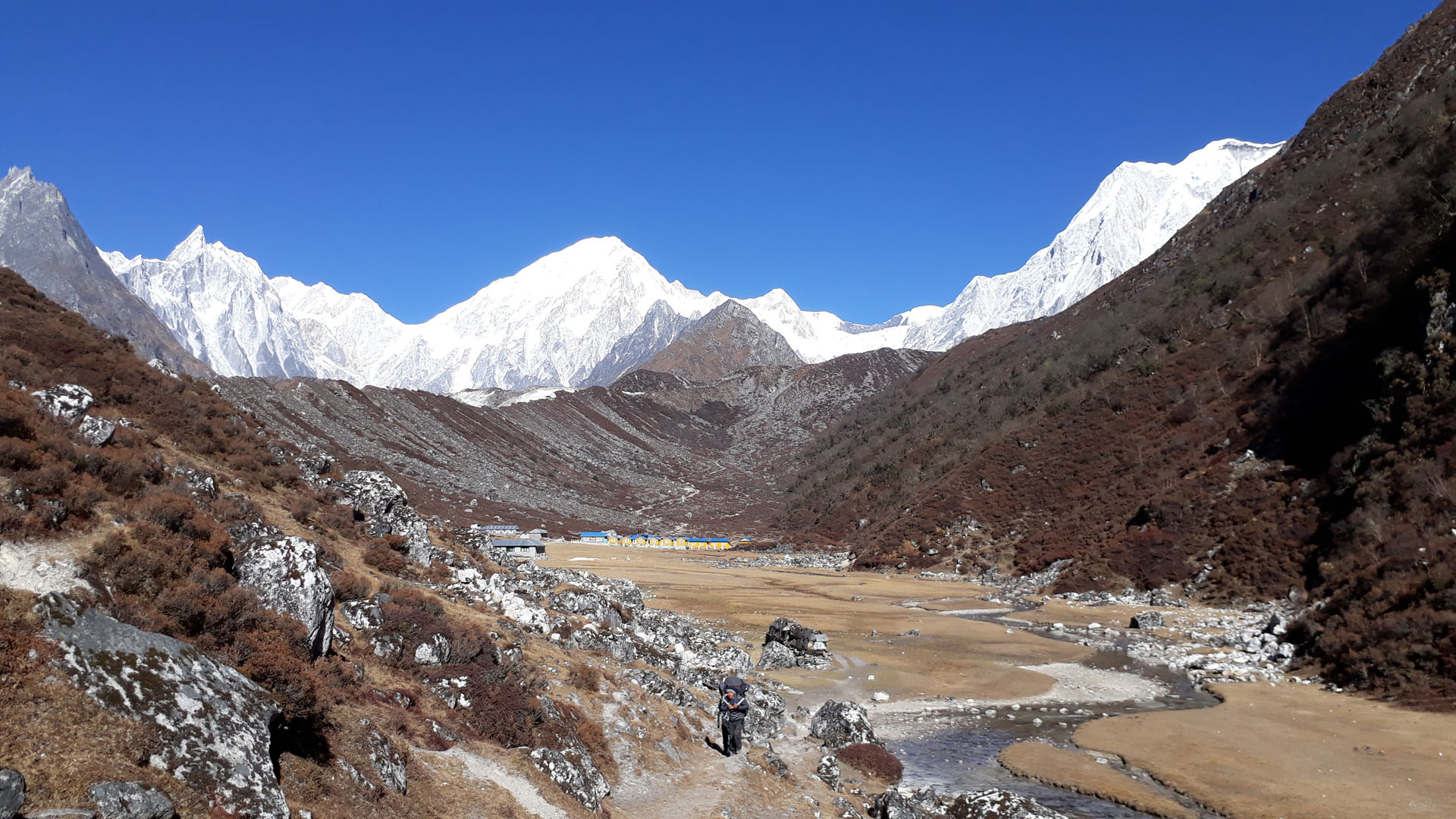 Manaslu hiking