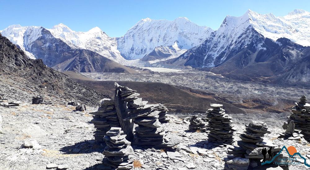 chhukung ri hikes