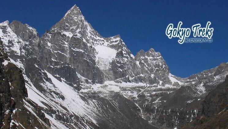 kyajo ri peak climbing operator