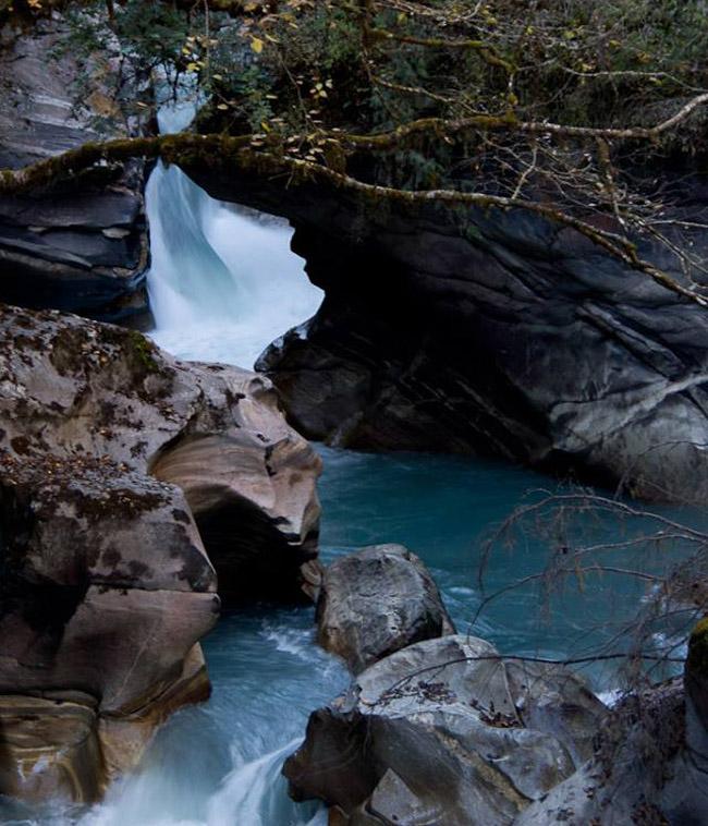 manaslu river