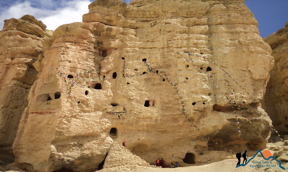 mustang cave, lo manthang