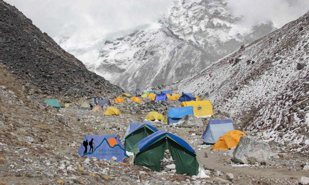 island peak base camp hike