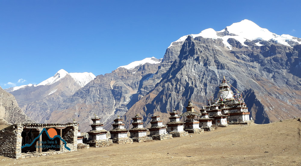 nar village trekking