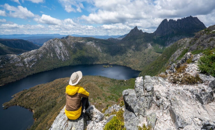 travel cradle mountain Tasmania Australia