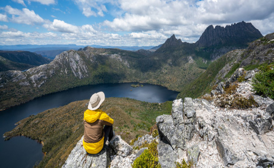 travel cradle mountain Tasmania Australia